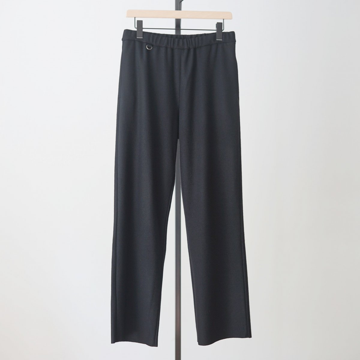 【UNDECORATED アンデコレイテッド】S140 WOOL KNIT PANTS - BLACK