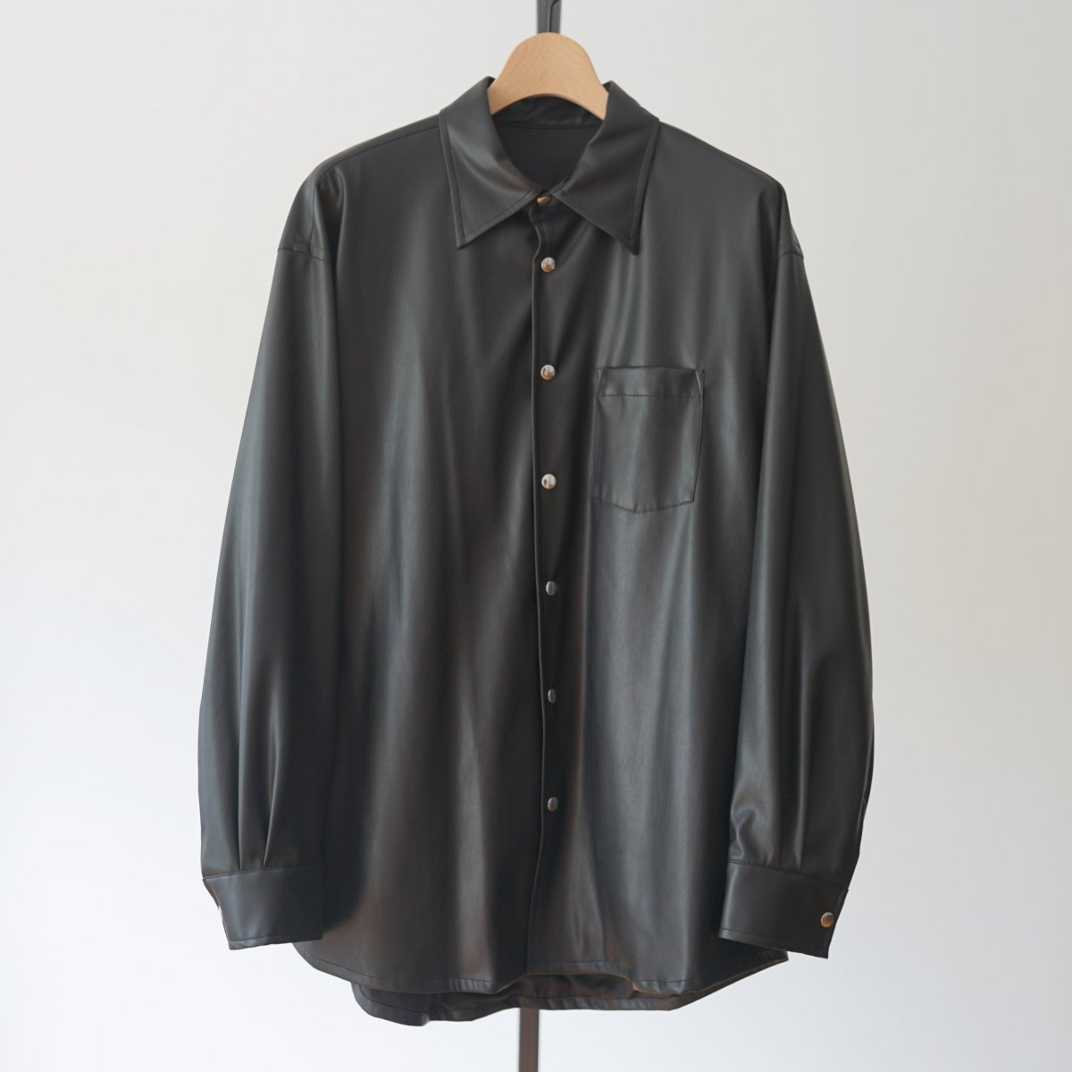 【ALLEGE アレッジ】SYNTHETIC LEATHER SHIRT - BLACK