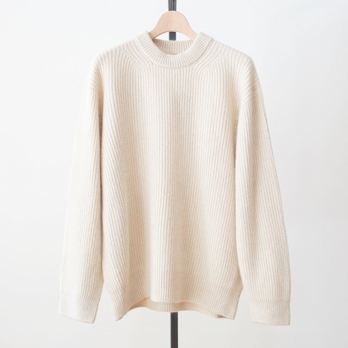 【unfil アンフィル】ROYAL BABY ALPACA SWEATER - OYSTER WHITE