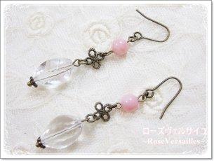 ピンクオパールと水晶とお花のイヤリングorピアス