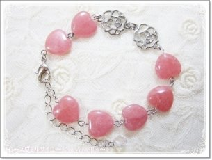 「愛され薔薇色ハート」インカローズと薔薇とハートのブレスレット