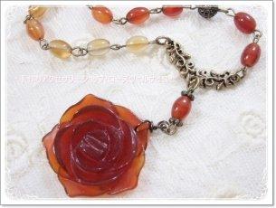 「湧き上がる生命力」カーネリアンと薔薇のグラデーションネックレス