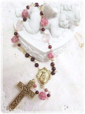 「薔薇の園*マリア様の愛の祈り」ガーネット ロードナイト ローズクォーツ 薔薇 ハート クロス ロザリオネックレス