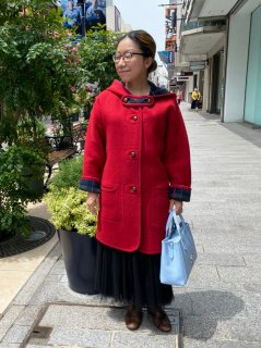 元町チャーミングコート - レッド<ミディアム丈>