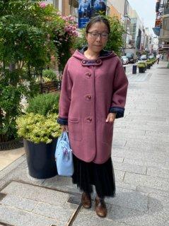 元町チャーミングコート - ピンク<ミディアム丈>
