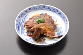 【渡月亭名物】天然鯛のかぶと煮