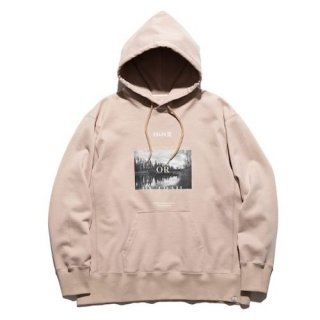 """""""BY STREET OR BY TRAIL"""" P/O HOODED SWEAT  BEIGE"""