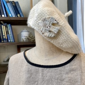 shiitorus 刺繍ブローチ Bird (B-2)