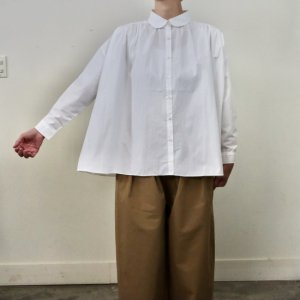 <img class='new_mark_img1' src='https://img.shop-pro.jp/img/new/icons14.gif' style='border:none;display:inline;margin:0px;padding:0px;width:auto;' />pongee    Cotton typewriter wide blouse