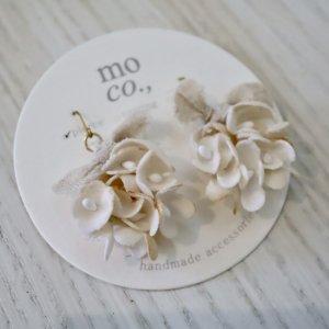 mo co., pompon ribbon ピアス (8)