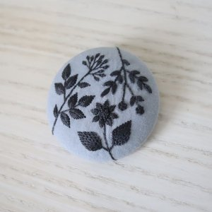 近藤実可子 刺繍ブローチ oshibana 5