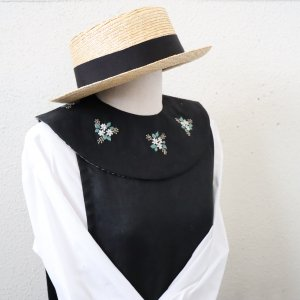 R4 刺繍付け襟 circle collar(black 8)