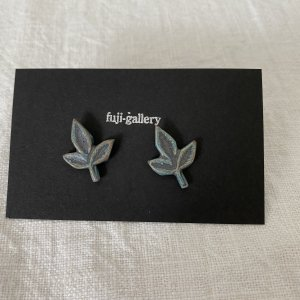 fuji-gallery 葉のピアス/イヤリング(緑)