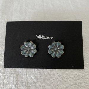 fuji-gallery 花のピアス/イヤリング(緑)
