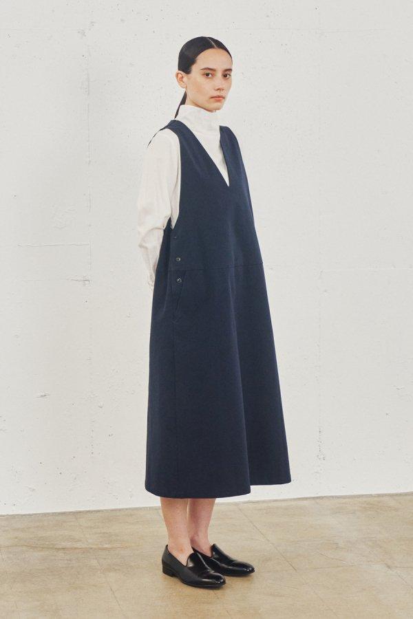V neck jumper skirt