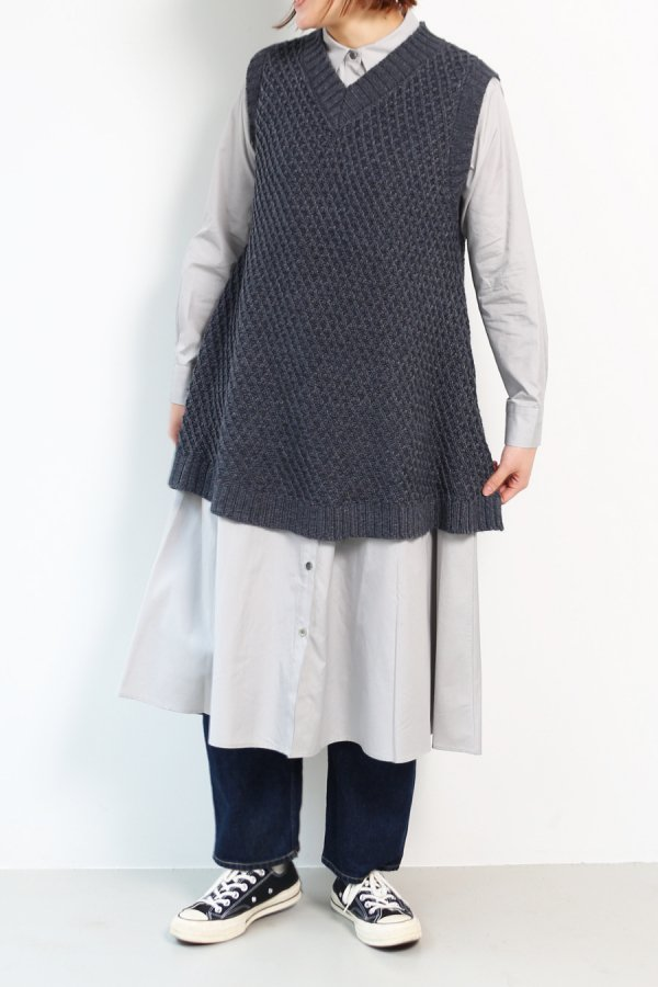 <img class='new_mark_img1' src='https://img.shop-pro.jp/img/new/icons8.gif' style='border:none;display:inline;margin:0px;padding:0px;width:auto;' />aran pattern A line vest