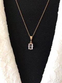 水晶石ネックレス