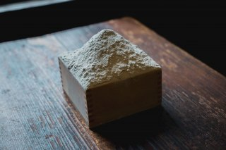 栃木県南産 自家製粉挽きぐるみそば粉 1キロの商品画像
