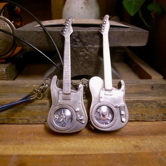 ギター型懐中時計