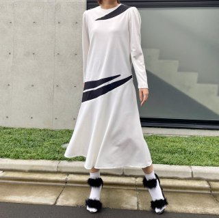 <img class='new_mark_img1' src='https://img.shop-pro.jp/img/new/icons14.gif' style='border:none;display:inline;margin:0px;padding:0px;width:auto;' />Used Modern Long Dress