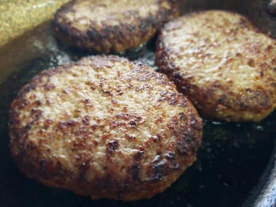 肉汁溢れる 宮崎牛ハンバーグ