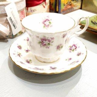ROYAL ALBERT sweet violetsカップ&ソーサー