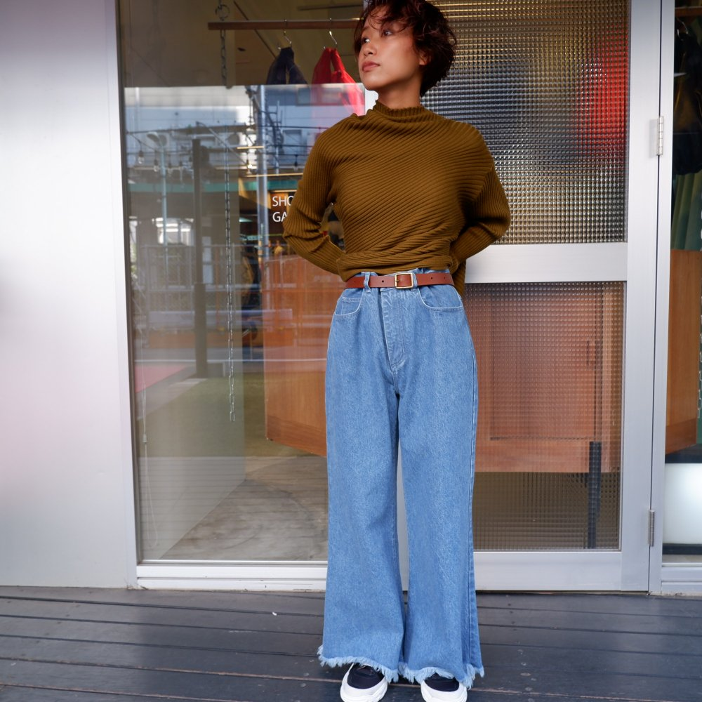 <img class='new_mark_img1' src='https://img.shop-pro.jp/img/new/icons1.gif' style='border:none;display:inline;margin:0px;padding:0px;width:auto;' />【MARQUES ALMEIDA】 RELAXED CROPPED JEANS