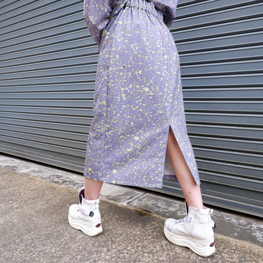 <img class='new_mark_img1' src='https://img.shop-pro.jp/img/new/icons1.gif' style='border:none;display:inline;margin:0px;padding:0px;width:auto;' />【FORM OF INTEREST】 LEMON SPARKLE SKIRT