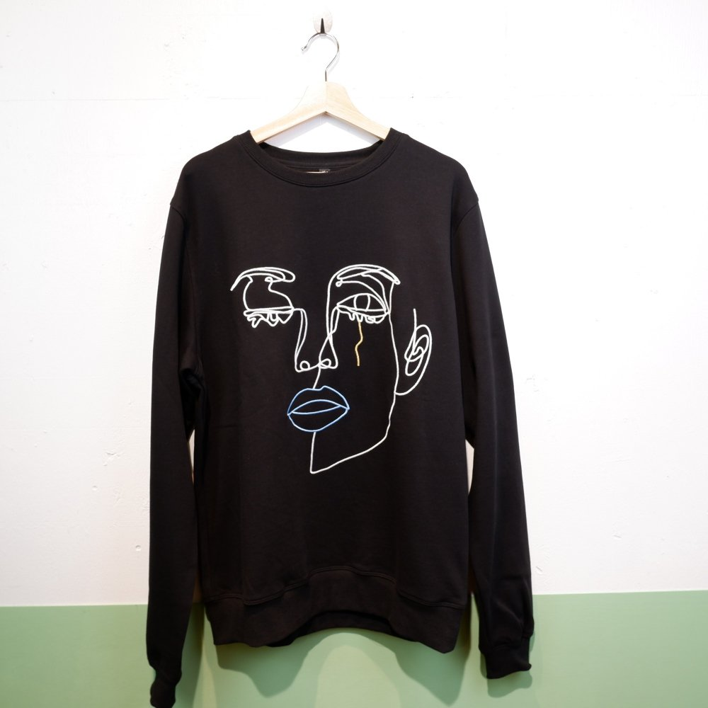 <img class='new_mark_img1' src='https://img.shop-pro.jp/img/new/icons1.gif' style='border:none;display:inline;margin:0px;padding:0px;width:auto;' />【ENCRE】 LARGE EMBROIDARY SWEAT SHIRT-MESSED UP FEELINGS