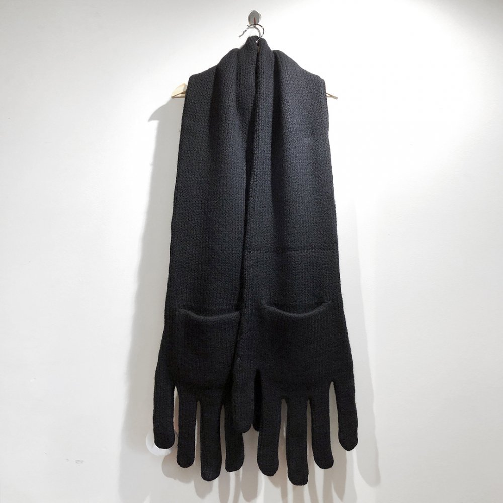 """<img class='new_mark_img1' src='https://img.shop-pro.jp/img/new/icons1.gif' style='border:none;display:inline;margin:0px;padding:0px;width:auto;' />【INFANONYMOUS】 """"Hand"""" Knit Scarf  (BLACK)"""
