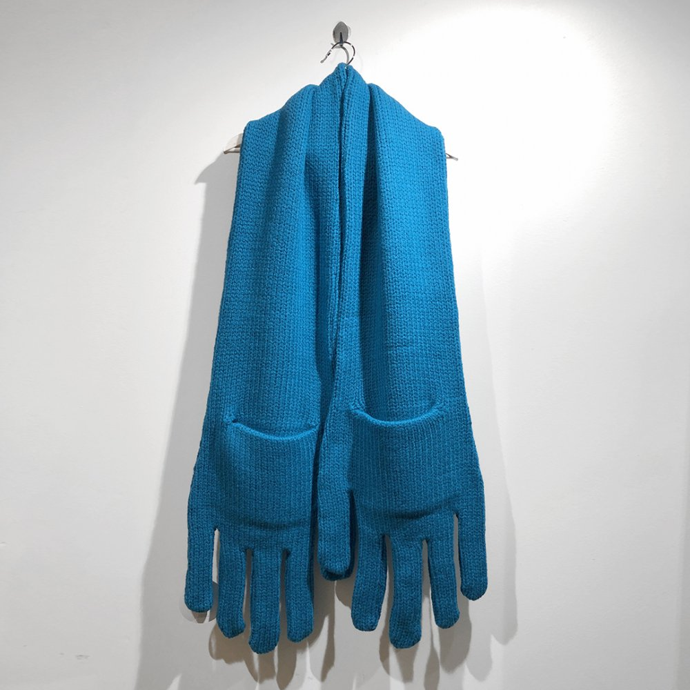 """<img class='new_mark_img1' src='https://img.shop-pro.jp/img/new/icons1.gif' style='border:none;display:inline;margin:0px;padding:0px;width:auto;' />【INFANONYMOUS】 """"Hand"""" Knit Scarf  (TEAL BLUE)"""