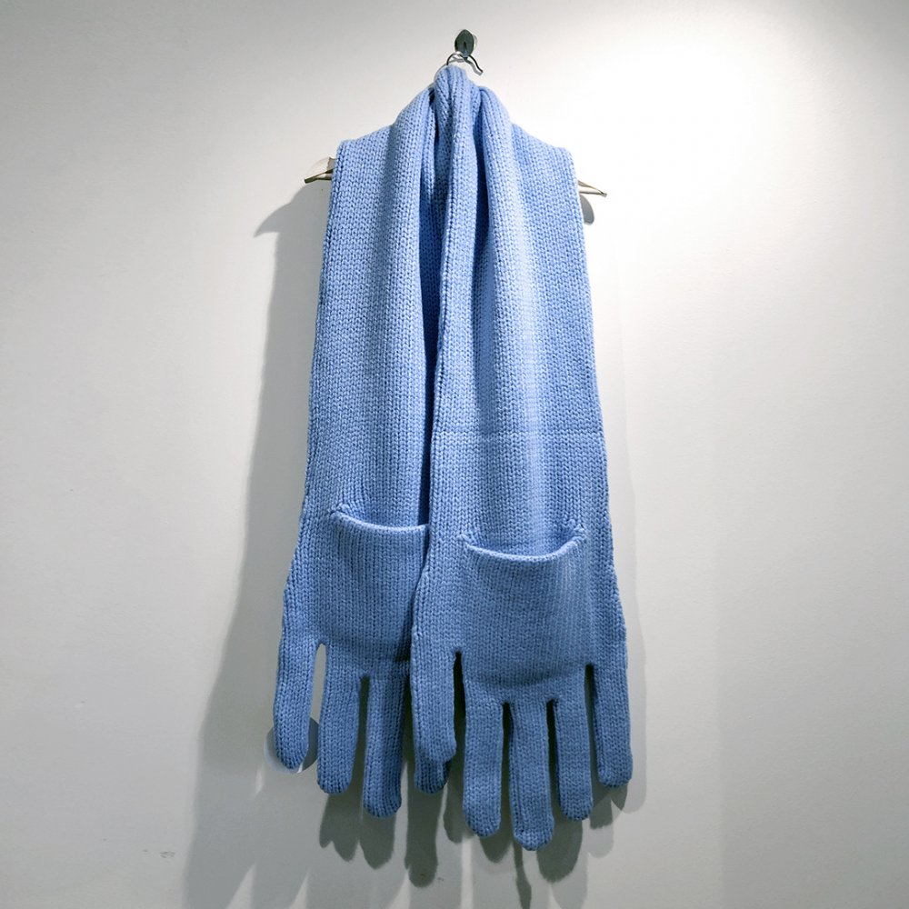 """<img class='new_mark_img1' src='https://img.shop-pro.jp/img/new/icons1.gif' style='border:none;display:inline;margin:0px;padding:0px;width:auto;' />【INFANONYMOUS】 """"Hand"""" Knit Scarf  (LIGHT BLUE)"""