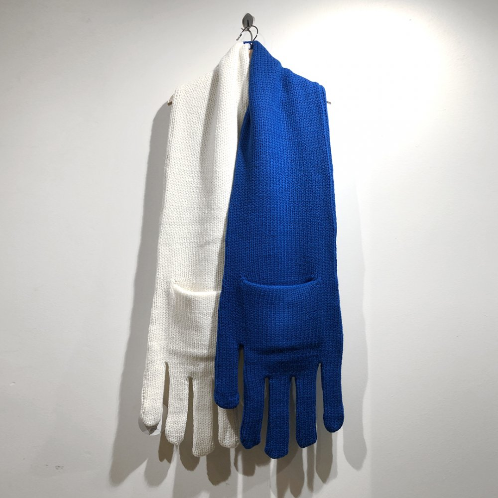 """<img class='new_mark_img1' src='https://img.shop-pro.jp/img/new/icons1.gif' style='border:none;display:inline;margin:0px;padding:0px;width:auto;' />【INFANONYMOUS】 """"Hand"""" Knit Scarf  (WHITE/BLUE)"""
