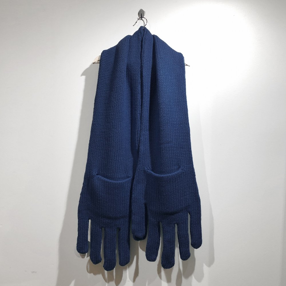 """<img class='new_mark_img1' src='https://img.shop-pro.jp/img/new/icons1.gif' style='border:none;display:inline;margin:0px;padding:0px;width:auto;' />【INFANONYMOUS】 """"Hand"""" Knit Scarf  (Navy)"""