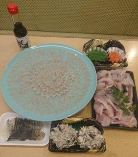 【販売期間 3/1 11:00〜3/8 10:30 】寿司の花子 活きとらふぐの刺身33cmとフグ鍋のセット(4〜5人前)