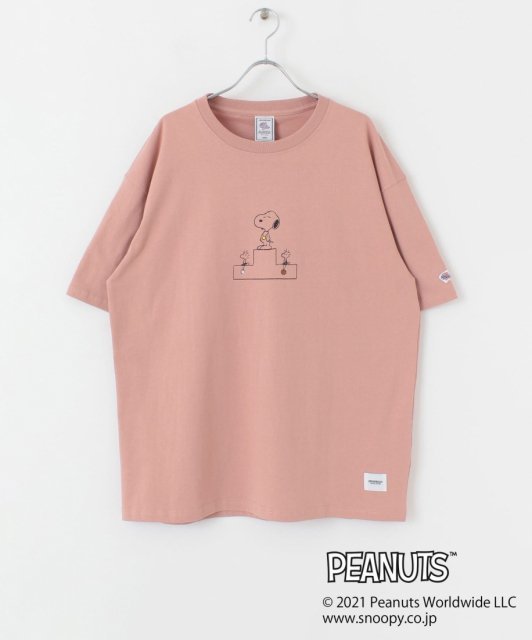 <img class='new_mark_img1' src='https://img.shop-pro.jp/img/new/icons14.gif' style='border:none;display:inline;margin:0px;padding:0px;width:auto;' />JE MORGAN × PEANUTS PODIUM TEE