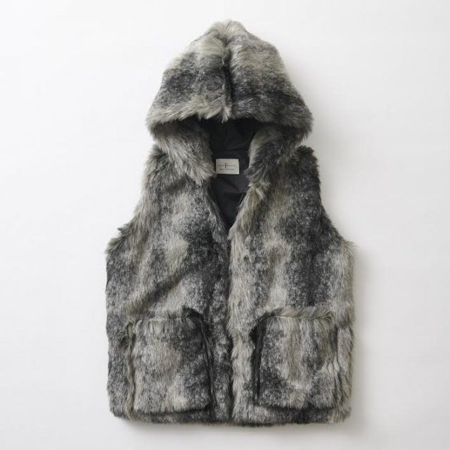<img class='new_mark_img1' src='https://img.shop-pro.jp/img/new/icons14.gif' style='border:none;display:inline;margin:0px;padding:0px;width:auto;' />HOODIE VEST