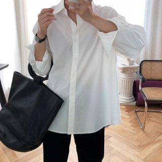 大きめレディースシャツ シンプル長袖 一枚できっちり着こなせる