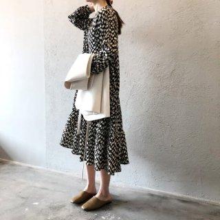 ランダムドット 長袖 プリントドレス シフォンワンピース レディース 裾フレア ティアード