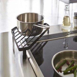 キッチン コンロ コーナーラック 鍋置き 調味料置き 鉄製 おしゃれ シンプル モノトーン 隙間収納