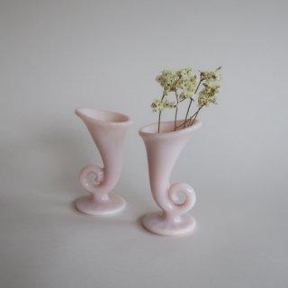 vintage milk glass Cornucopia candle holder/ビンテージ コルヌコピア ミニ キャンドルスティック/キャンドルホルダー/燭台(804)