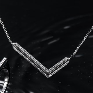 K18WG ダイヤ ペンダント