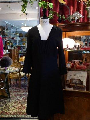ワンピース 黒 V首 秋冬パリレディースファッション フランス製 フレンチデザイナー