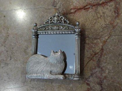 ブローチ 鏡を見つめる猫 パリ