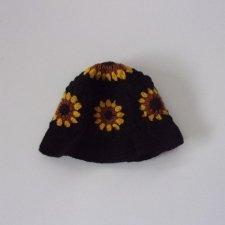 <img class='new_mark_img1' src='https://img.shop-pro.jp/img/new/icons1.gif' style='border:none;display:inline;margin:0px;padding:0px;width:auto;' /> Niche Crochet Hat - SUN FLOWER